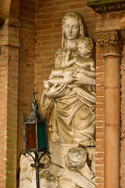 Madonna and child statue at the Sangervasio Winery and castle in Tuscany.