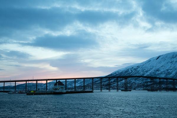 Waiting for an Arctic sunrise