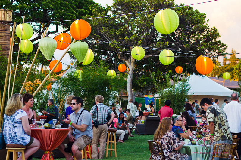 Have to say that the Kāʻanapali Fresh events were probably the best-decorated we've seen. The gala Kāʻanapali Fresh Food & Wine Festival event had cushy chairs and barstools for the high-top tables. Nice! © 2012 Sugar + Shake