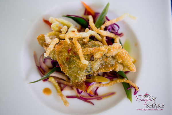 Maui AgFest 2014 Grand Tasting: Chef Marc McDowell (Mākena Beach & Golf Resort) with Emanuela Vinciguerra (Kumu Farms) — Long Bean and Pork Potsticker with Long Bean Dumpling Wrapper and Firecracker Slaw. Culinary Influence: Chinese. Third Place, Fan Favorite. © 2014 Sugar + Shake