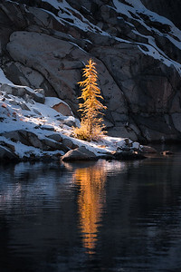 Golden reflection in the Enchantments - Washington