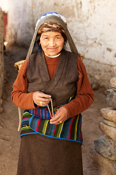 """Mustang region is the former Kingdom of Lo and now part of Nepal,  in the north-central part of that country, <br /> bordering the People's Republic of China on the Tibetan plateau between the Nepalese provinces of Dolpo and Manang. <br /> The Kingdom of Lo, the traditional Mustang region, and """"Upper Mustang"""" are one and the same, <br /> comprising the northern two-thirds of the present-day Nepalese Mustang District, <br /> and are well marked by official """"Mustang"""" border signs just north of Kagbeni <br /> where a police post checks permits for non-Nepalese seeking to enter the region, and at Gyu La (pass) east of Kagbeni.<br /> [url=/file_search.php?<br /> action=file&lightboxID=10064323][img <a href=""""http://bem.republika.pl/istock/sri_lanka_380.jpg"""">http://bem.republika.pl/istock/sri_lanka_380.jpg</a>][/img][/url][url=/file_search.php?<br /> action=file&lightboxID=10064337][img <a href=""""http://bem.republika.pl/istock/sri_lankan_people_380.jpg"""">http://bem.republika.pl/istock/sri_lankan_people_380.jpg</a>][/img][/url][url=/file_search.php?<br /> action=file&lightboxID=9858744][img <a href=""""http://bem.republika.pl/istock/rajasthan_380.jpg"""">http://bem.republika.pl/istock/rajasthan_380.jpg</a>][/img][/url][url=/file_search.php?<br /> action=file&lightboxID=9870440][img <a href=""""http://bem.republika.pl/istock/pushkar_fair_380.jpg"""">http://bem.republika.pl/istock/pushkar_fair_380.jpg</a>][/img][/url][url=/file_search.php?<br /> action=file&lightboxID=9112292][img <a href=""""http://bem.republika.pl/istock/incredible_india_380.jpg"""">http://bem.republika.pl/istock/incredible_india_380.jpg</a>][/img][/url][url=/file_search.php?<br /> action=file&lightboxID=9112300][img <a href=""""http://bem.republika.pl/istock/people_india_380.jpg"""">http://bem.republika.pl/istock/people_india_380.jpg</a>][/img][/url][url=/file_search.php?<br /> action=file&lightboxID=9112325][img <a href=""""http://bem.republika.pl/istock/kerala_380.jpg"""">http://bem.republika.pl/istock/kerala_380.jpg</a>][/img][/url][u"""