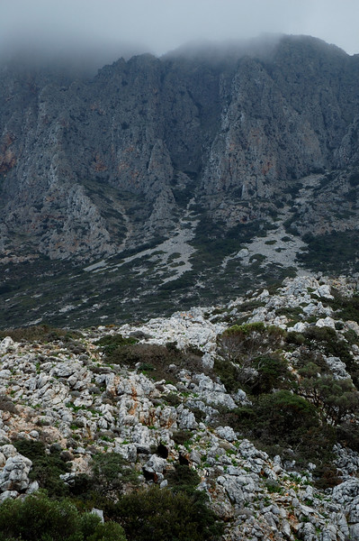 The highest mountain of the range is the Geroskinos with a height of 762m