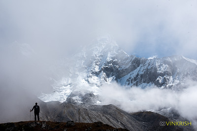 The mist clears to reveal parts of Lhotse and the glacier