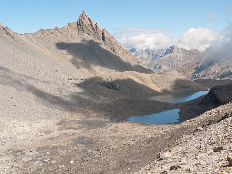 Having survived the giant arachnids, we top out at Col de la Forcla
