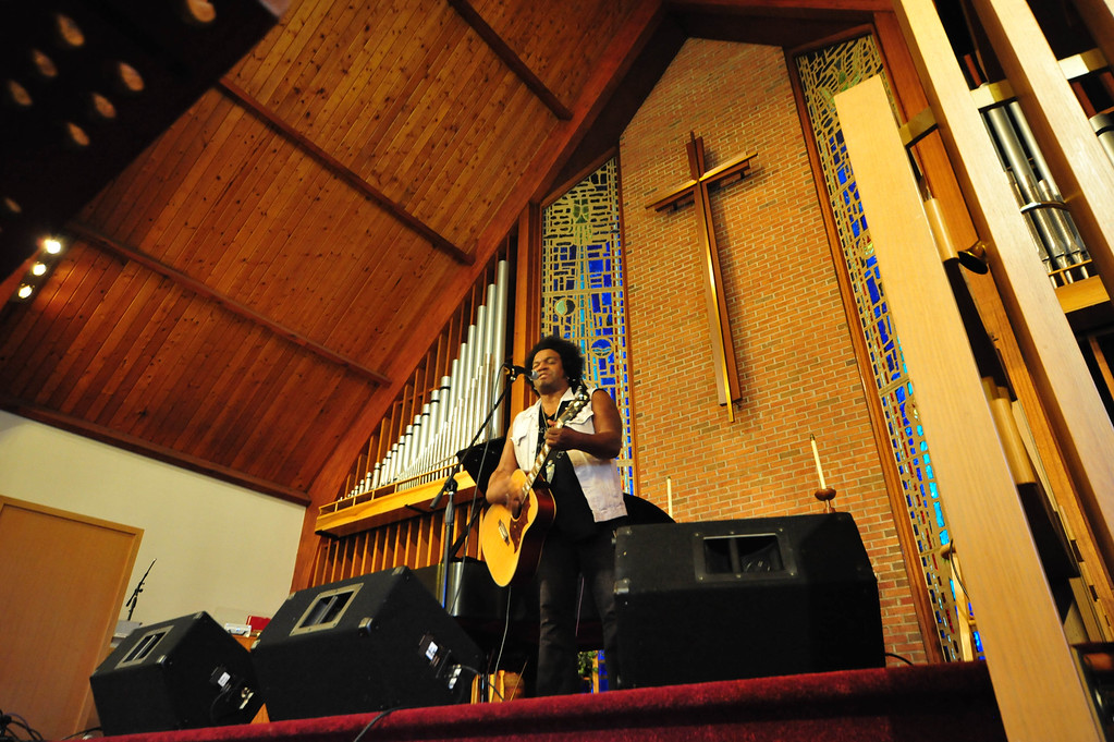 . Jeffrey Gaines performs at the Concert To End Gun Violence in Ewing on Sunday Sept. 25, 2016. (Scott Ketterer - The Trentonian)