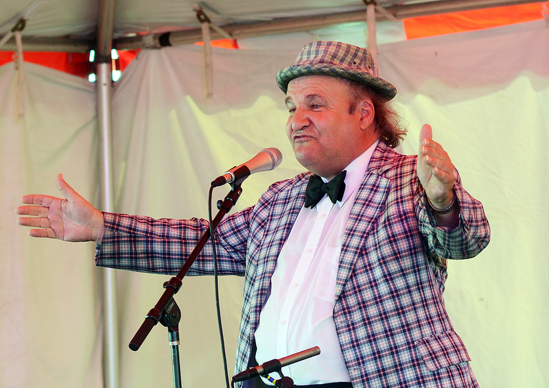 Funnyman Floyd Vivino`Uncle Floyd`entertains the crowd at the Italian-American Festival on Saturday . gregg slaboda photo
