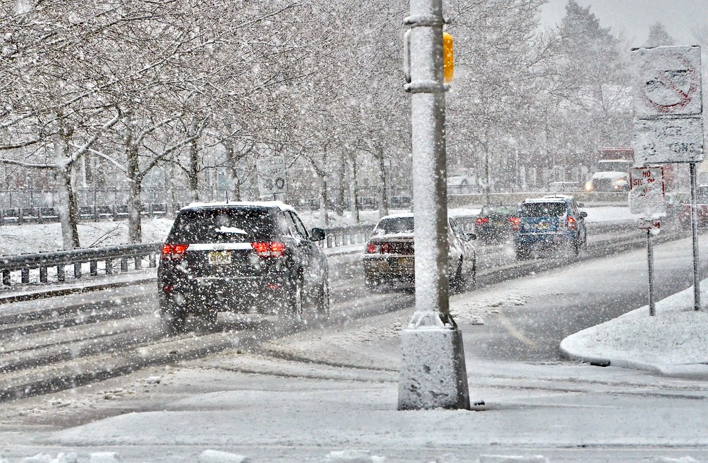 . Cars travel south on a snowy Route 29 in Trenton on Wednesday afternoon. (Kyle Franko/ Trentonian Photo)