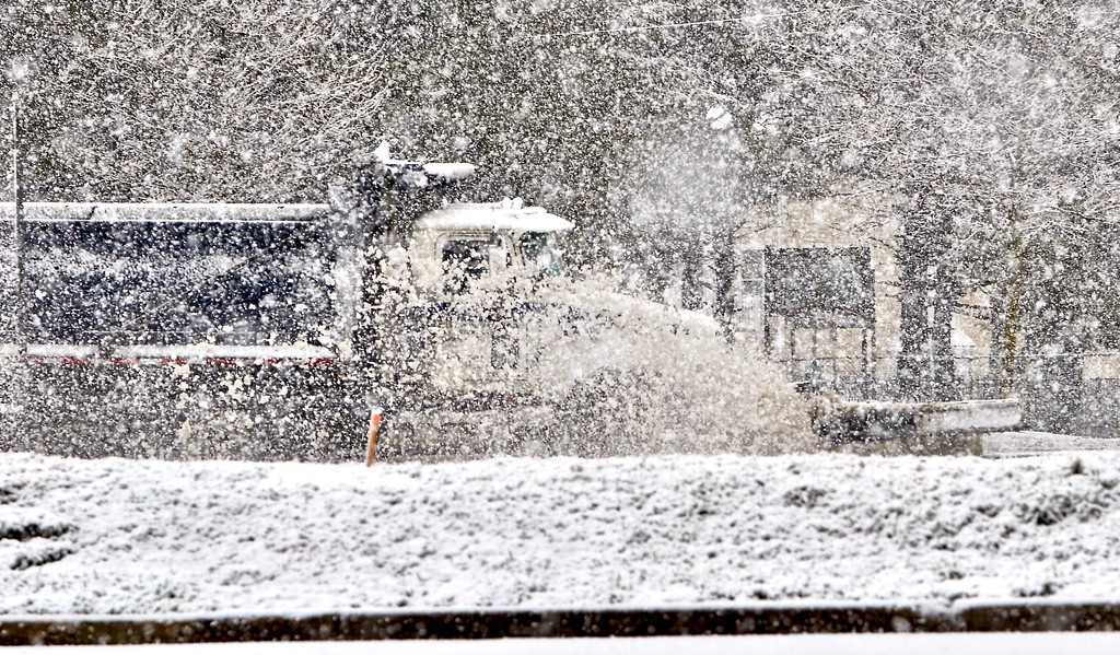 . A plow travelling southbound on Route 29 in Trenton clears the highway as heavy snow falls on Wednesday afternoon. (Kyle Franko/ Trentonian Photo)