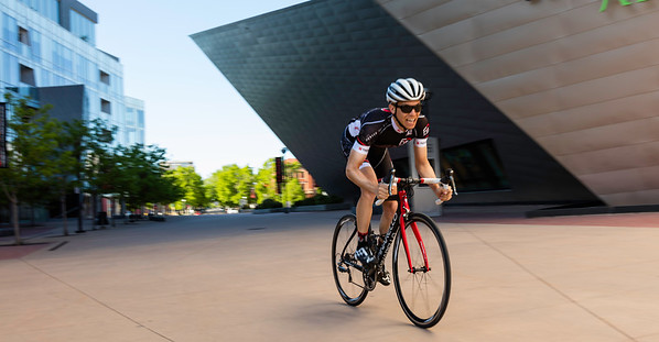 TriBellas-DenverFitLoft-Rider-Sprinting-1655