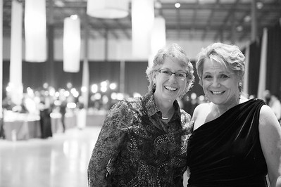 TriangleWineGala_2016_2LenoraMinglesB&W_Pepsi_262016