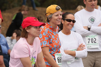 Veronica, Joyce and Betsy listen to the pre-race talk. Veronica with her game face on.