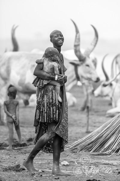 Mother and child of the Mundari