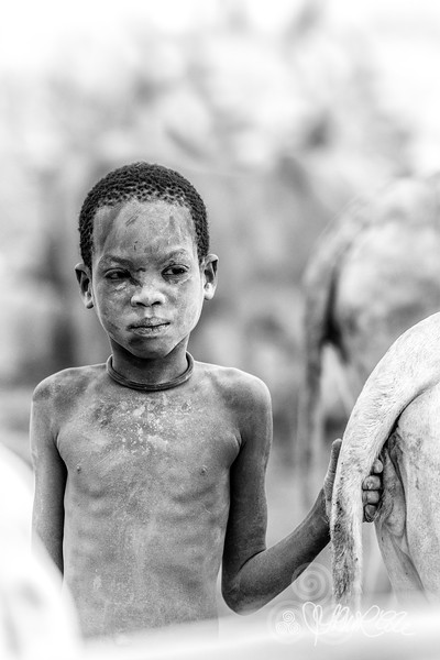 Ash covered Mundari boy, Terekeka