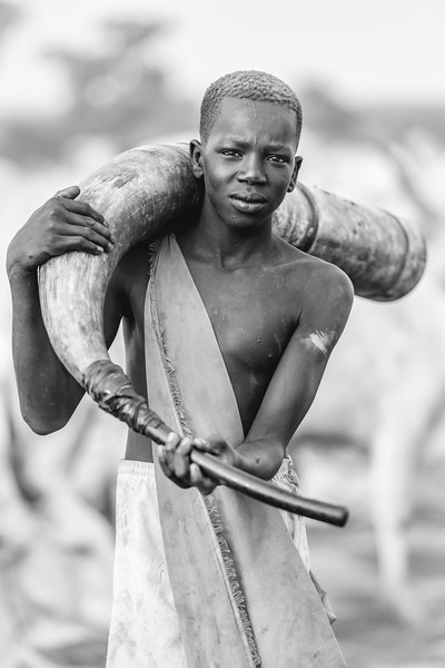 Carrying the horn