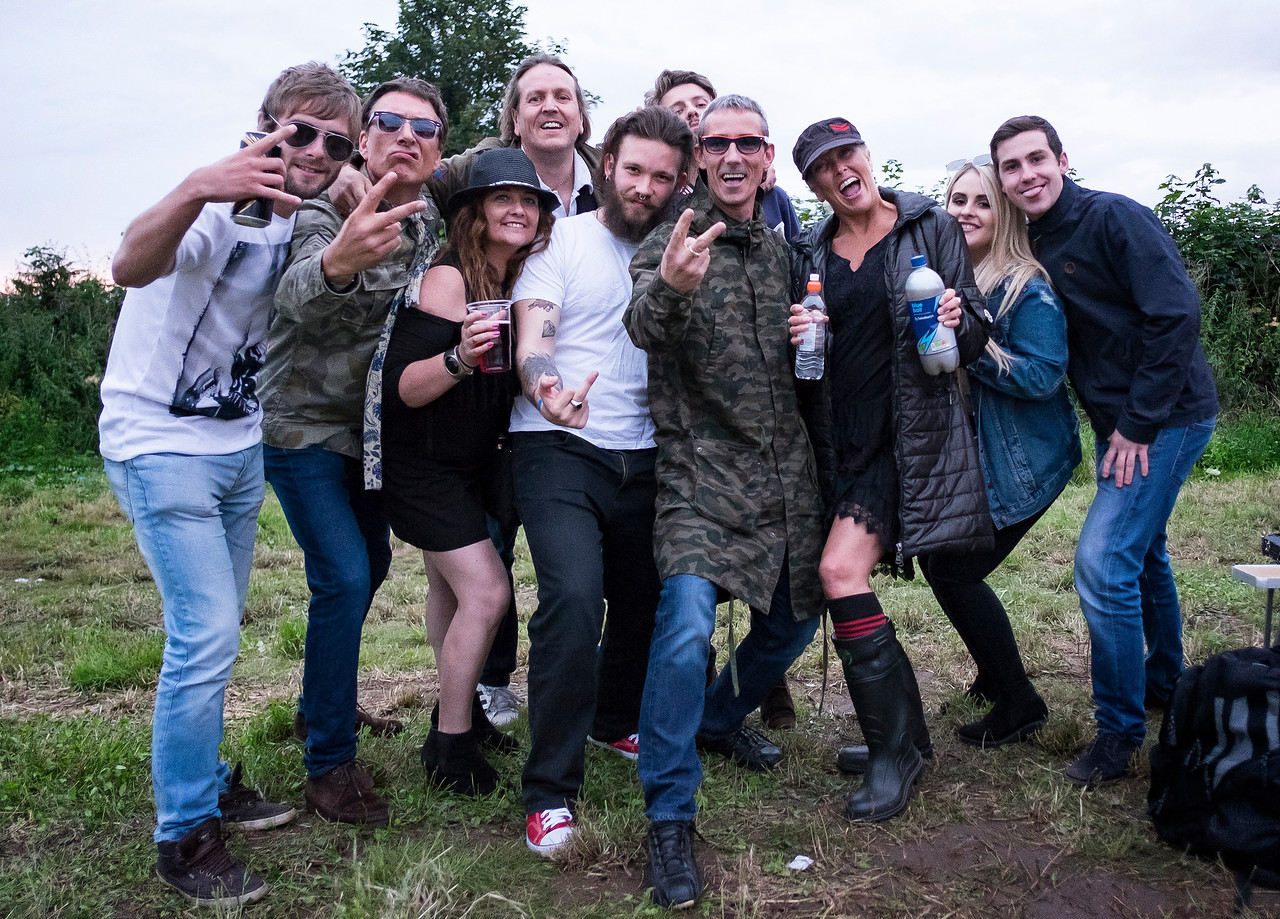 the oasis Experience crew