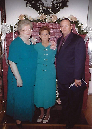 John & Rosey Owings with mother at Betty's wedding