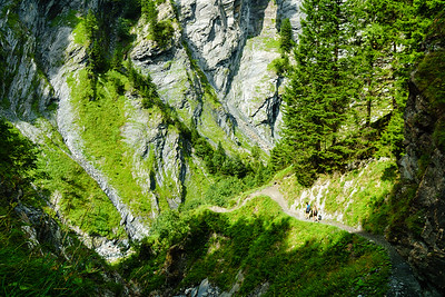 Daphnee Tuzlak and Katie Schide descending back towards Elm, Switzerland from Martinsmadhutte.