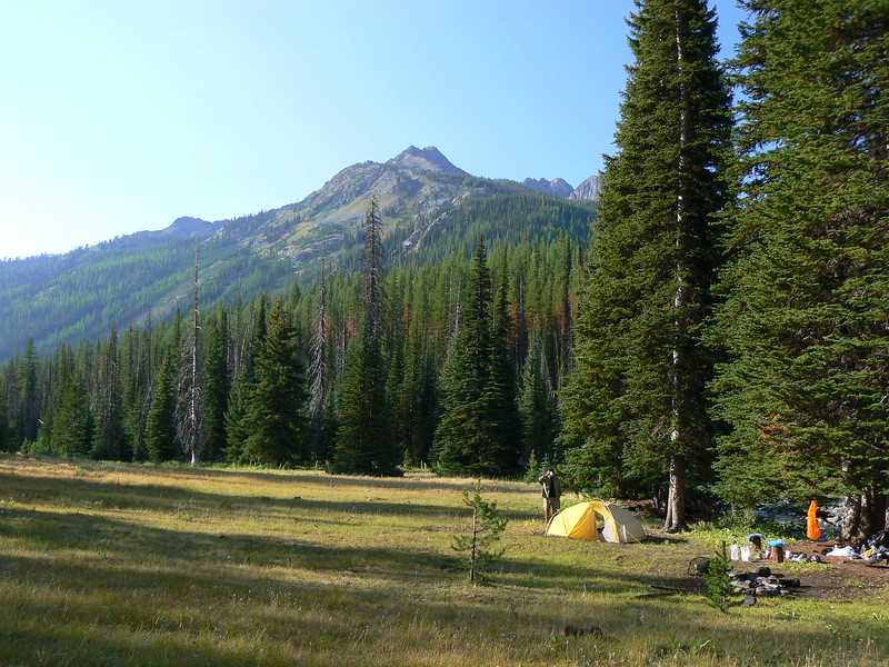 <br> <br> <br> <FONT size=2>I love waking up to blue skies and giant mountains of granite: