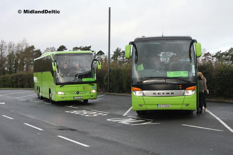 Dublin Coach 142-KE-1191,  05-D-42098, Midway Services Portlaoise, 04-12-2015