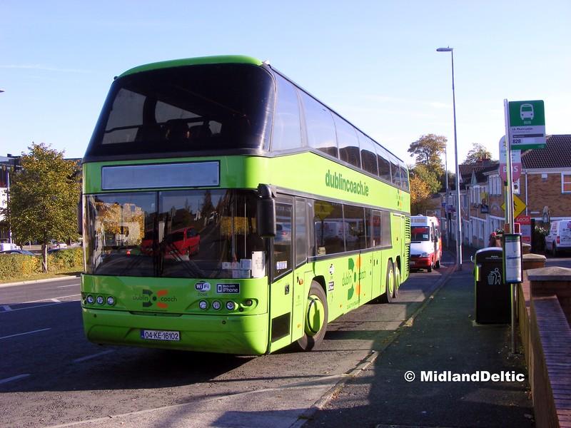 Dublin Coach 04-KE-16102, James Fintan Lawlor Ave Portlaoise, 13-10-2015