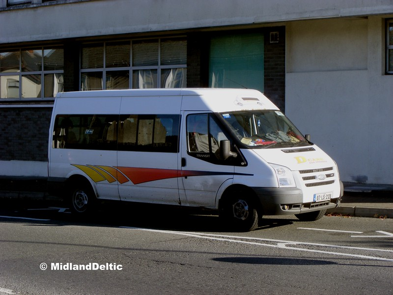 D-Cabs 00-LS-2128, Coote St Portlaoise, 13-10-2015