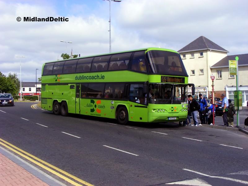 Dublin Coach 04-KE-11352, James Fintan Lawlor Ave Portlaoise, 18-06-2015