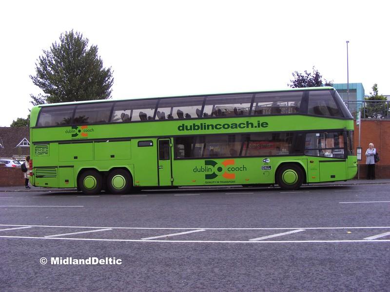 Dublin Coach 04-KE-16102, James Fintan Lawlor Ave Portlaoise, 18-09-2015