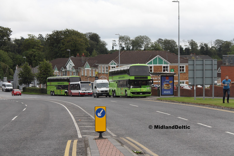 Bus Line Up, James Fintan Lawlor Ave Portlaoise, 06-09-2016