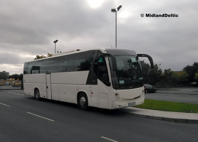 Carrigy coaches 09-G-2787, New Road Portlaoise, 17-09-2016