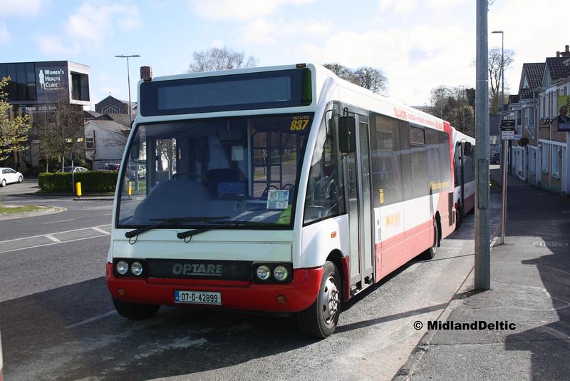 Slieve Bloom Coaches 07-D-42899, James Fintan Lawlor Ave Portlaoise, 26-04-2016