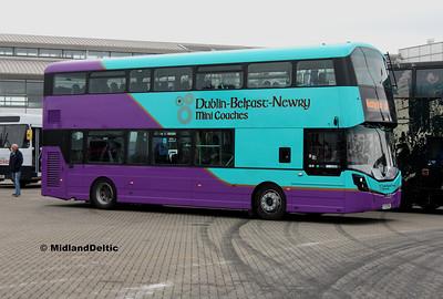 Dublin Mini Coaches 171-D-25062, Dún Laoghaire Harbour, 28-10-2017
