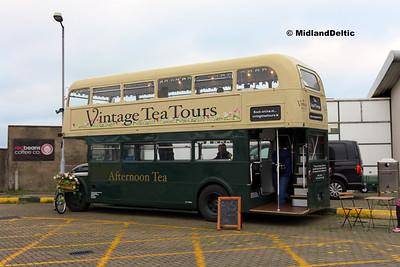 Vintage Tea Tours ZV11165, Dún Laoghaire Harbour, 28-10-2017