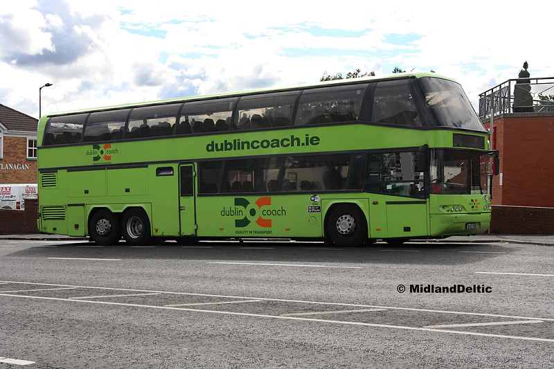 Dublin Coach 04-KE-11330, James Fintan Lawlor Ave Portlaoise, 08-08-2017