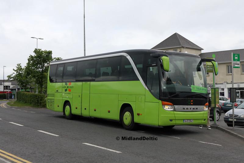Dublin Coach 04-D-22842, James Fintan Lawlor Ave Portlaoise, 30-05-2017