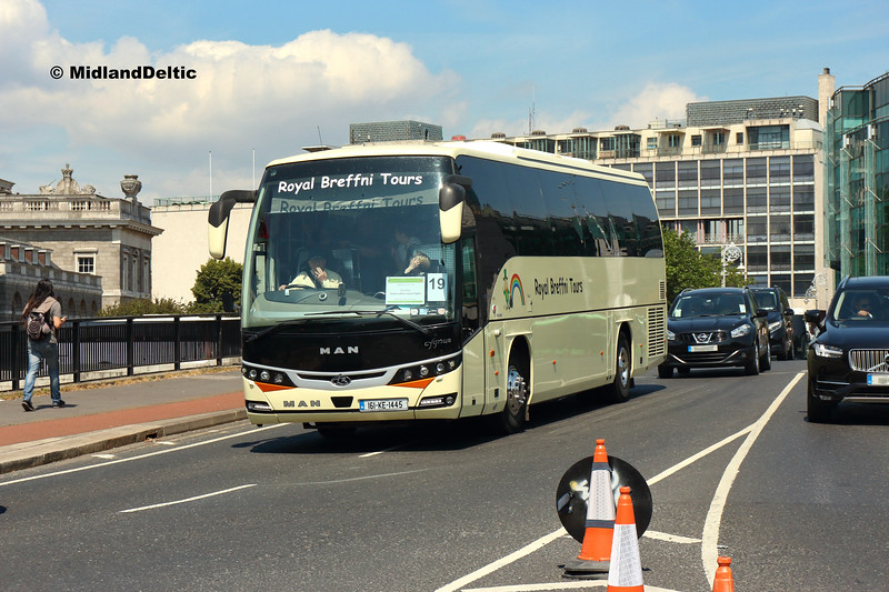 Royal Breffni Tours 161-KE-1445, Talbot Memorial Bridge Dublin, 14-07-2018