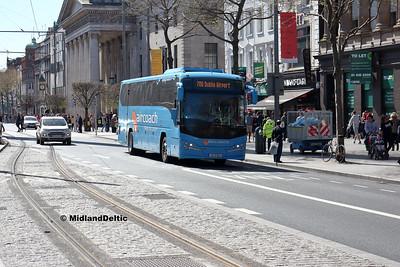 First Aircoach 152-D-8651, O'Connell St Dublin, 21-04-2018