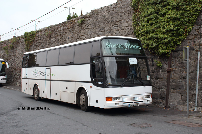 Slieve Bloom Coaches 98-KK-8002, Portlaoise Station, 15-09-2018