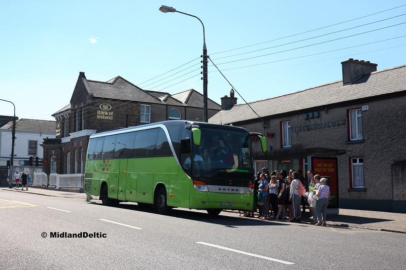 Dublin Coach 04-D-22823, Main St Newbridge, 26-06-2018