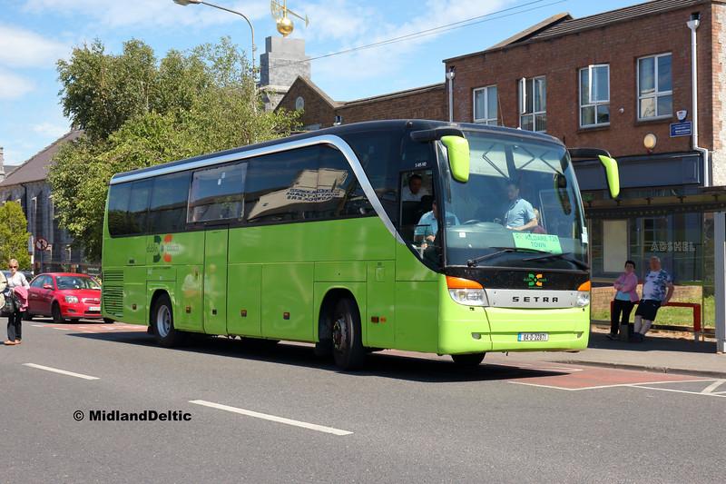 Dublin Coach 04-D-22871, Main St Newbridge, 26-06-2018