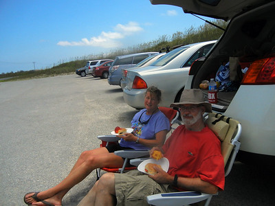Tailgate lunch on Pea Island, on the way to Cape Hatteras Lighthouse.
