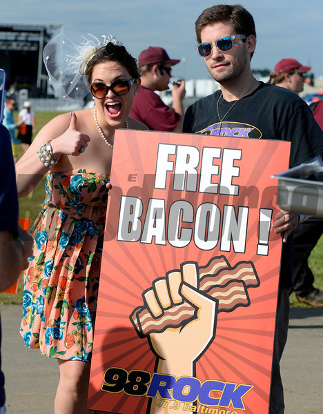 Caption: FREE Yummy Bacon<br /> Scenes at Pimlico  in Baltimore, Md., on May 17, 2014.<br /> Scenes2  image244<br /> Photo by Anne M. Eberhardt