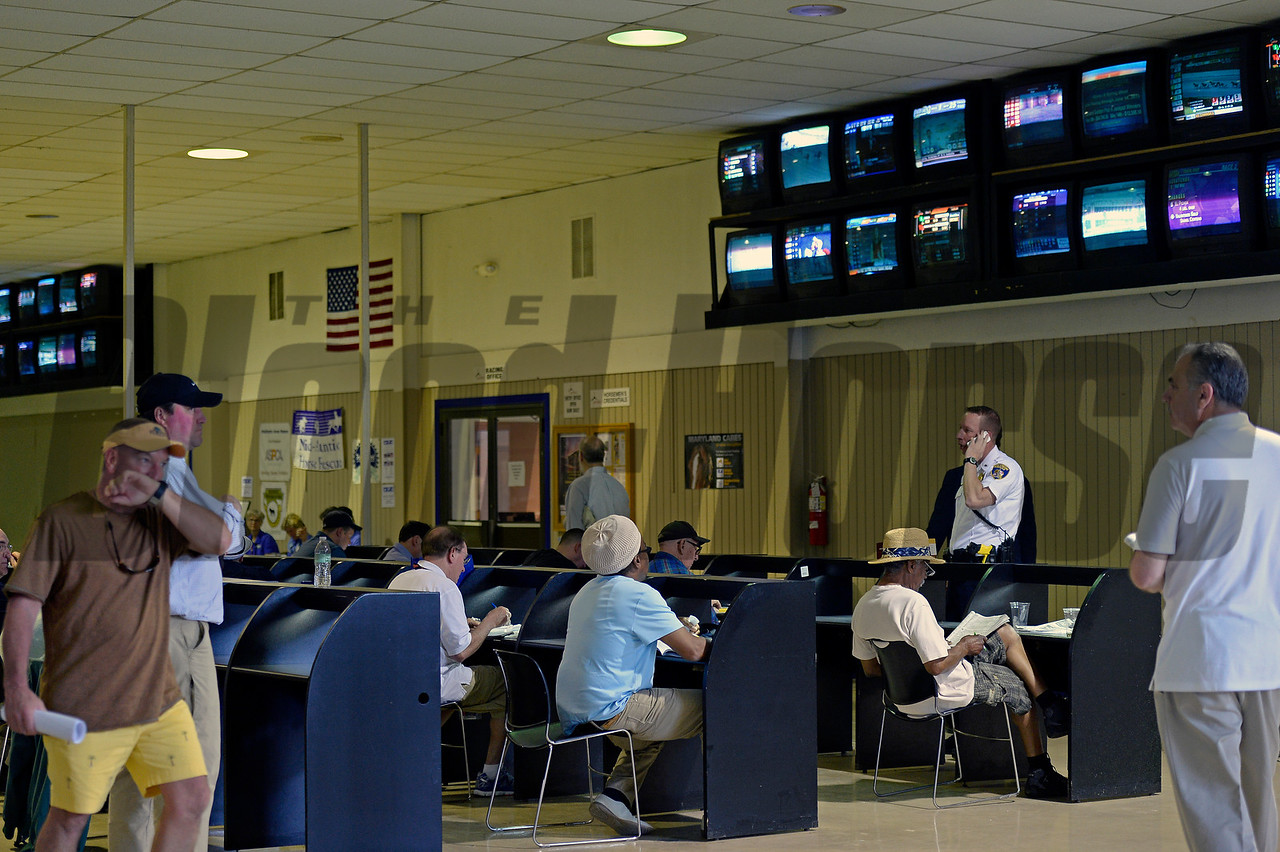 Caption:  scenes, facility<br /> Preakness day on May 16, 2015, at Pimlico in Baltimore, Md.<br /> Scenes5  image892<br /> Photo by Anne M. Eberhardt