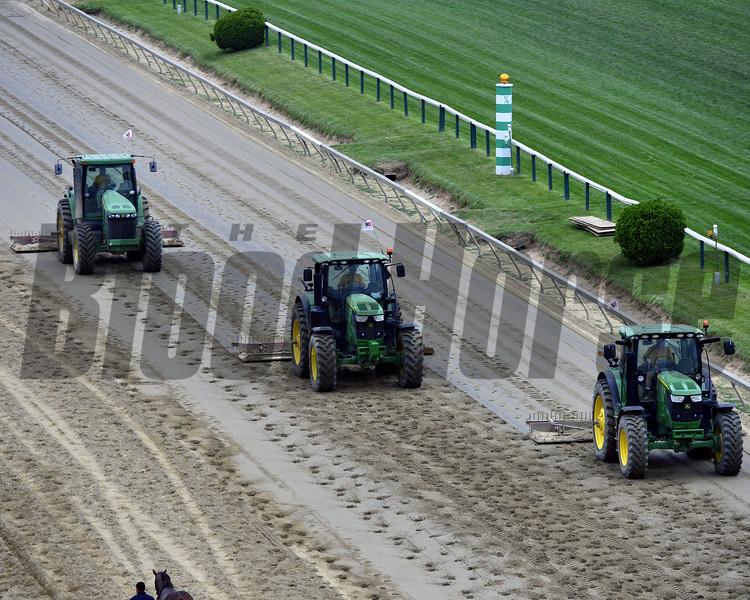 Tractors Preakness Chad B. Harmon