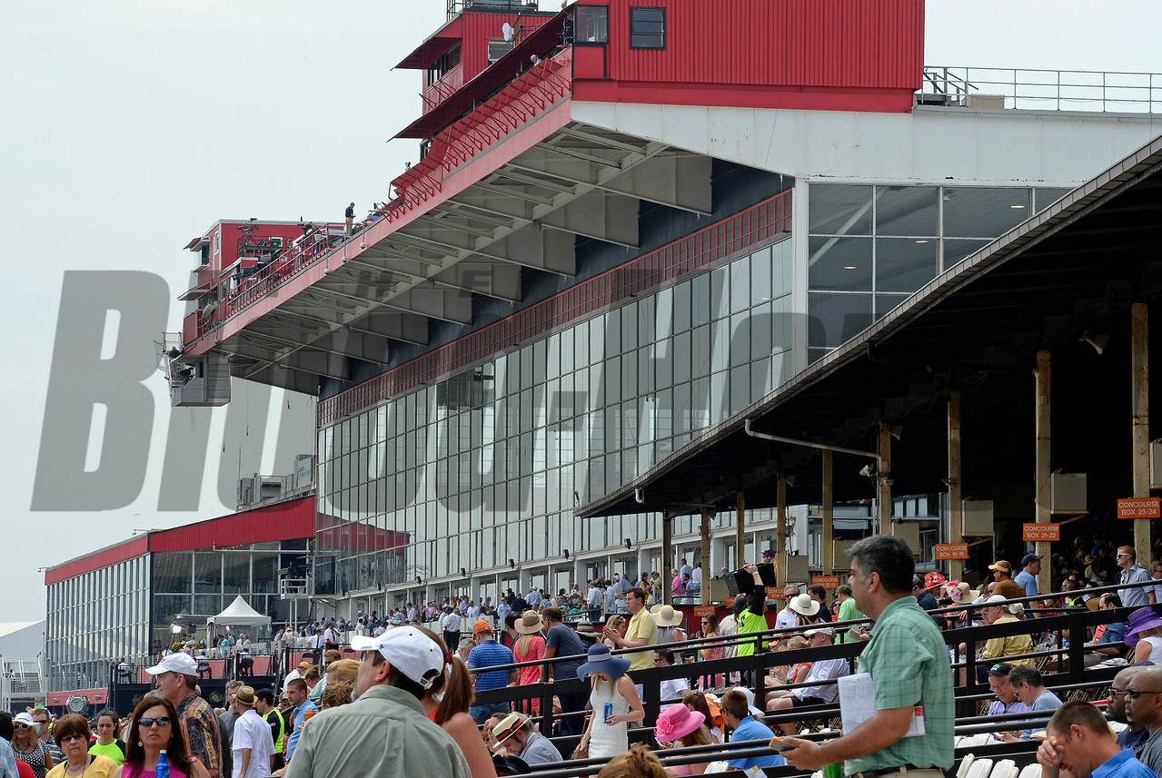 Caption:  scenes, facility and crowd<br /> Preakness day on May 16, 2015, at Pimlico in Baltimore, Md.<br /> Scenes5  image908<br /> Photo by Anne M. Eberhardt