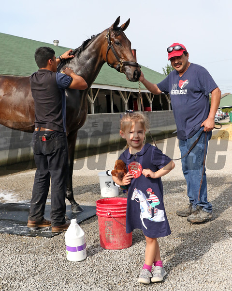 Chocolate Kisses with a young fan at Churchill Downs on May 2, 2019. Photo By: Chad B. Harmon