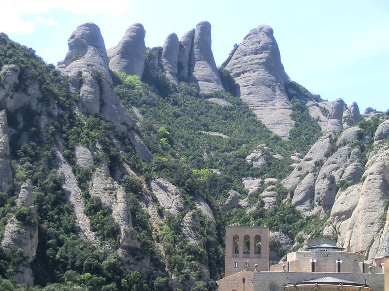 Serrated mountain