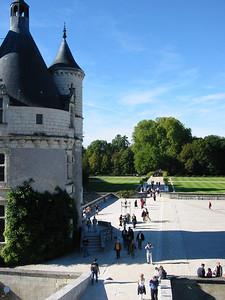 Chenonceau -- front turret