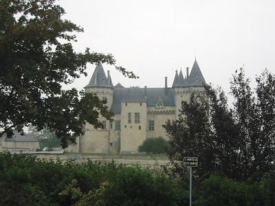 Saumur -- chateau (e.g. Tres Riches Heures)