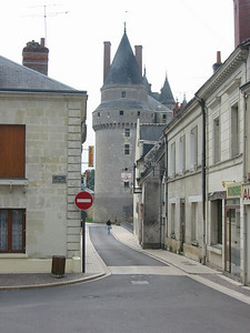 Langeais -- modern and ancient